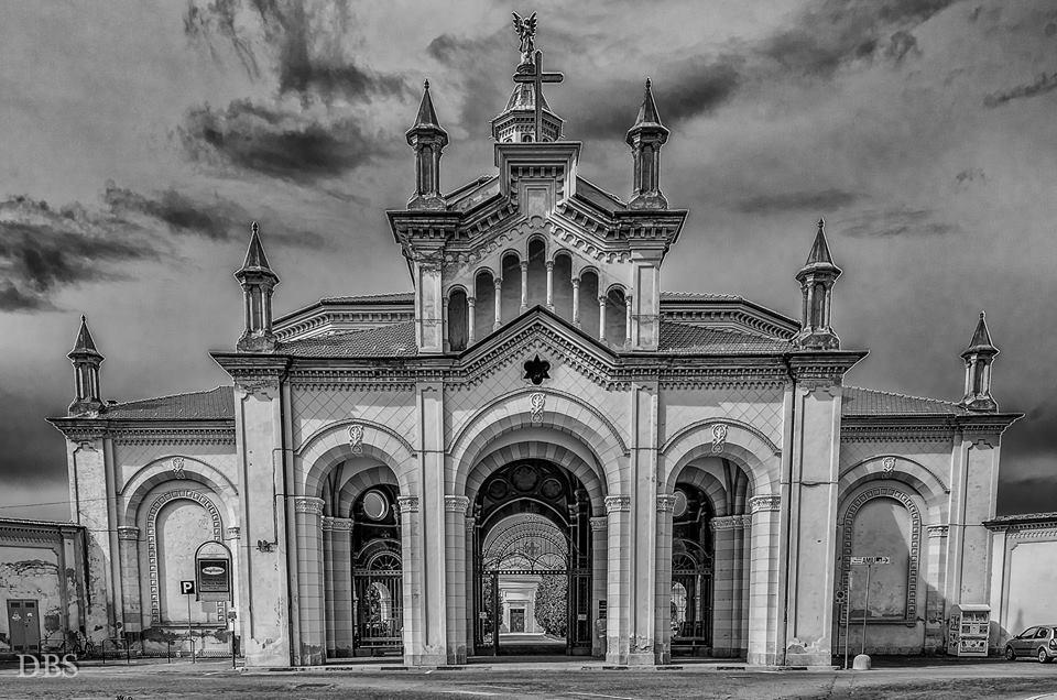Facciata del Cimitero foto di Sergio Di