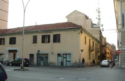 """Questa è la palazzina dove si dovrebbe apporre la targa """"Palestra della 'Forza e Coraggio', dove nel 1912 nacque l'Alessandria Calcio""""."""