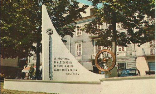 Piazza Valfrè – Fontana commemorativi per i marinai caduti per la Patria.
