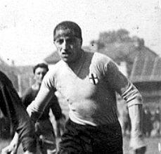 L'Alessandria supera 2-1 il Napoli e va in finale di Coppa CONI. 3 luglio 1927, la trasferta in Campania consente a Cattaneo e i suoi di arrivare a un traguardo prestigioso. In quell'occasione in gol lo stesso Cattaneo e Banchero, alla decima realizzazione del torneo.
