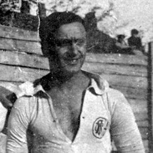 Calcio del dopoguerra: 6 luglio 1919. Nella piazza d'armi nuova, l'US Alessandrina supera 3-2 la Juventus dopo una gara ricca di gioco ed emozioni. Orgero, Lazoli II e Scovenna sono straordinari e alla fine, in una giornata caldissima, è resa per i torinesi.