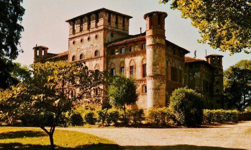 Siete mai stati dentro al Castello di Piovera?  E' stato candidato tra i Luoghi del Cuore Fai!