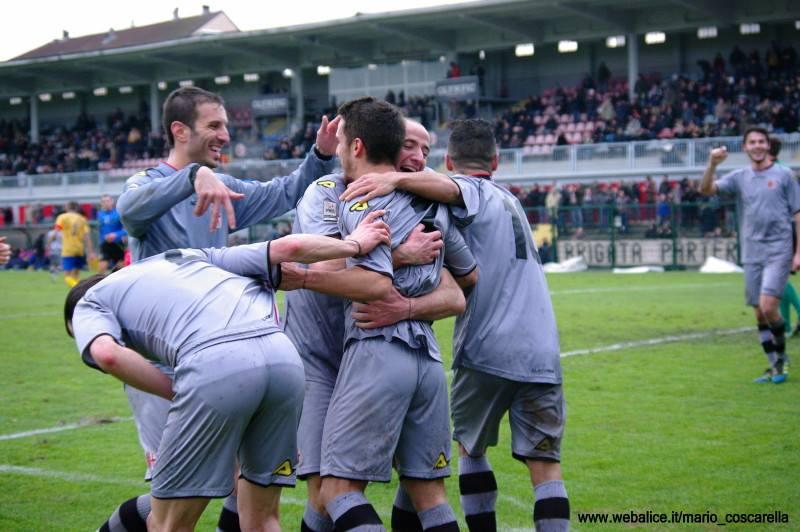 05-01-014 Alessandria-Pergolettese 3-1 Gol di Spighi. (4)