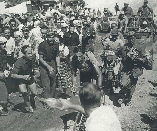 La fuga solitaria di Fausto sulle Alpi al Tour del 1952, il secondo vinto dal Campionissimo.