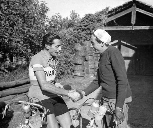 Un momento di intimità fraterna, che ben descrive il forte legame tra Fausto e Serse.