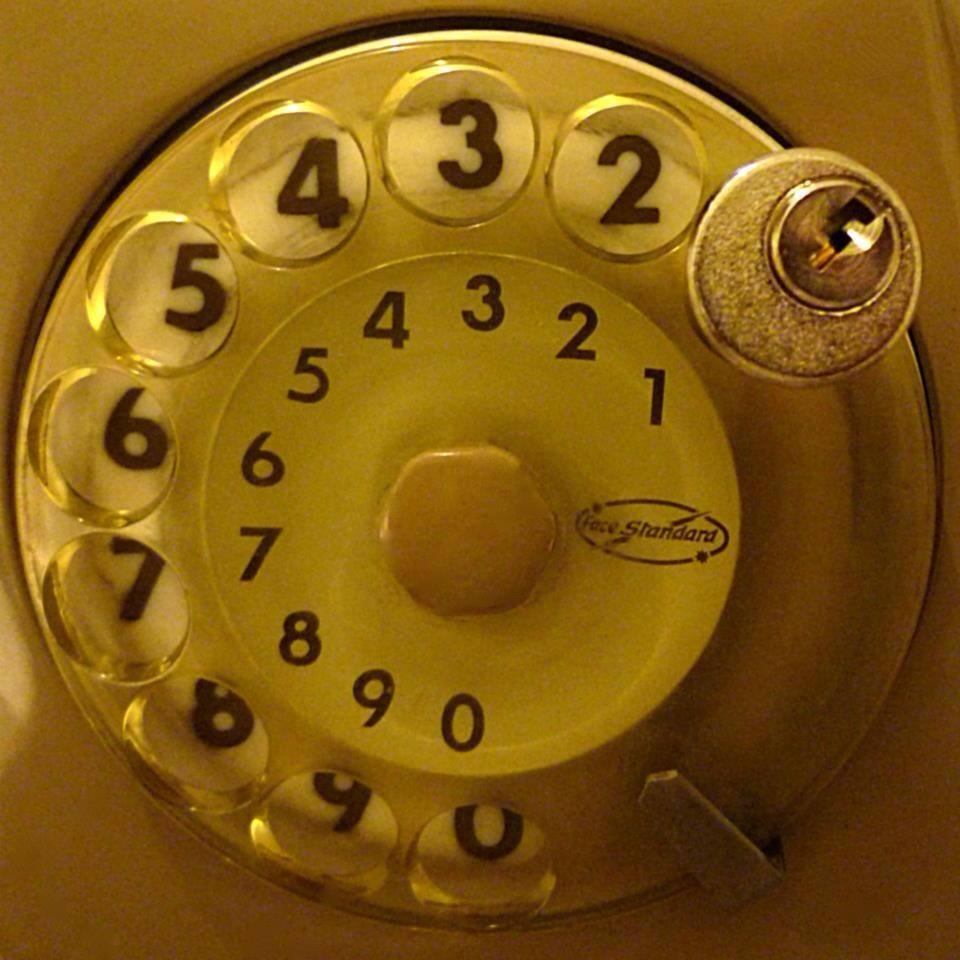 Se anche tu avevi il telefono a disco... Chiuso con il lucchetto per non fare le telefonate !
