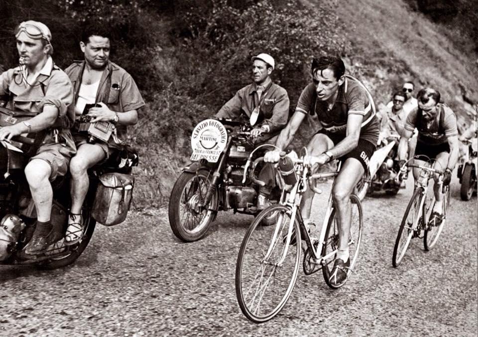 Il 2 gennaio del 1960 ci ha lasciato un grande anzi un grandissimo del ciclismo italiano: Fausto Coppi