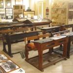 Chi si ricorda dei banchi di scuola in legno?