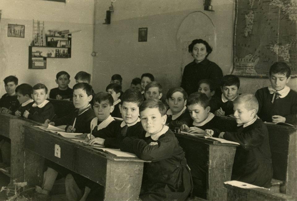 Come eravamo.... Noi che... avevamo una sola maestra che insegnava tutto...