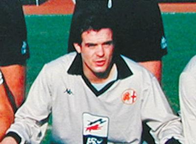4 settembre 1967, a Sassari, nasce Franchino Fiori. 79 partite e 12 gol in Grigio e una rete che resta nella storia: quella di un magnifico contropiede manovrato che il 2 giugno 91, al Moccagatta contro il Novara, riporta l'Alessandria in C1.