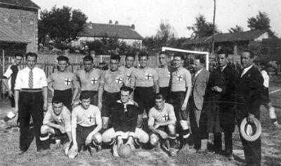 5 settembre 1926, Vercelli, si gioca per la qualificazione al Campionato di Prima Disione Nazionale. Quel giorno i Grigi strapazzano il Legnano 4-1 con 3 gol di Avalle.