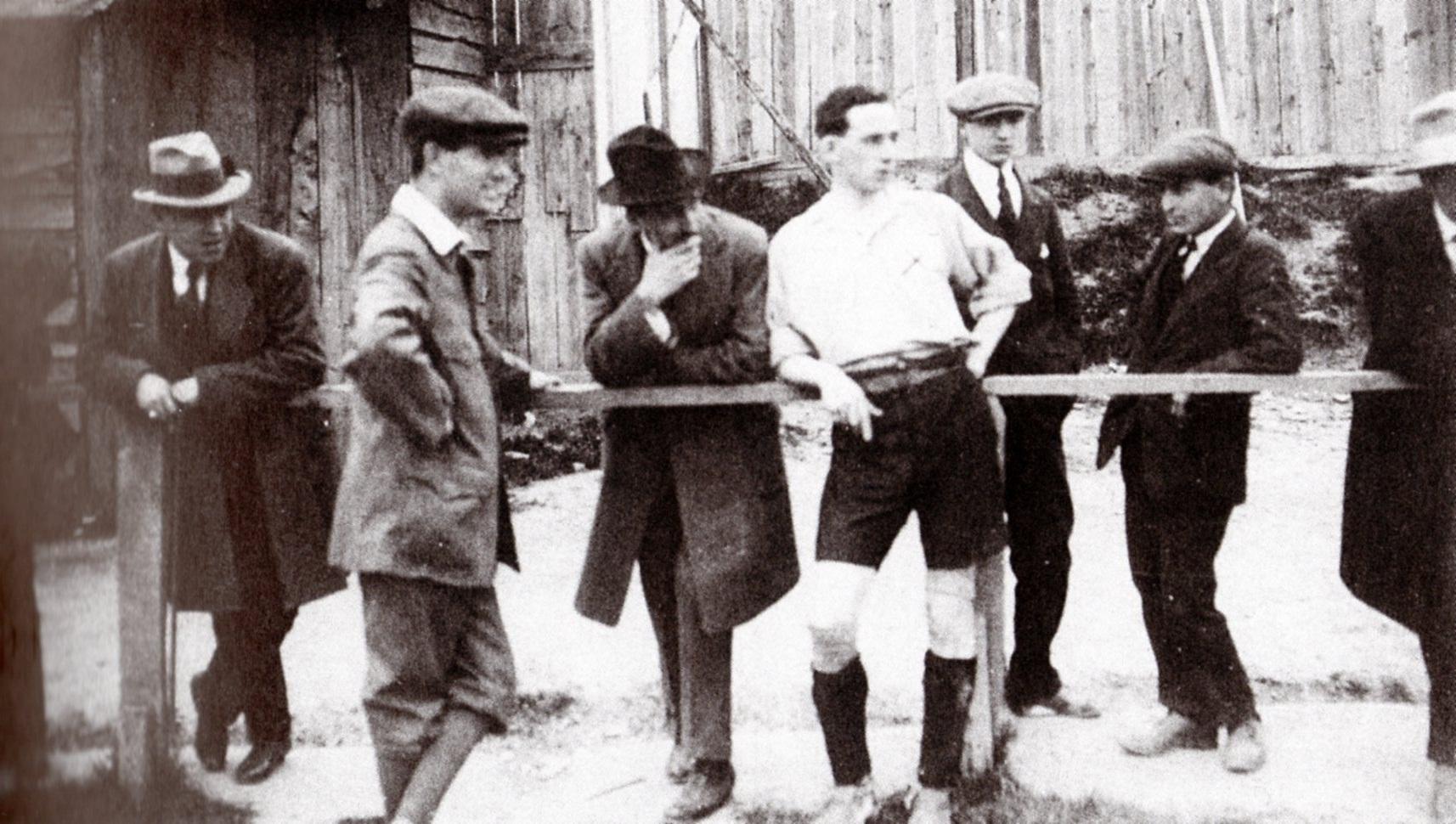 George Smith allenatore-giocatore ingaggiato dal Genoa Club; a lui si deve la nascita della scuola alessandrina