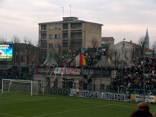 La Nord in curva Sud in Alessandria-Benevento