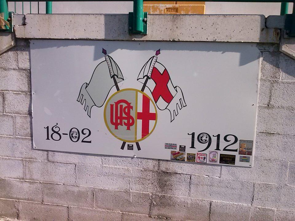 L'insegna delle vecchia sede della tifoseria affissa nella Gradinata Nord