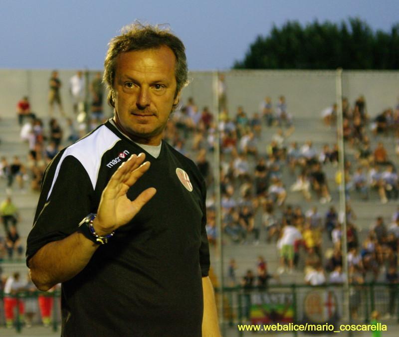 amichevole alessandria - genoa 2012 - l'allenatore dei grigi Cusatis