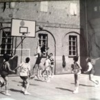 "Campo di basket dai ""frati"" in via S. Francesco d'Assisi"