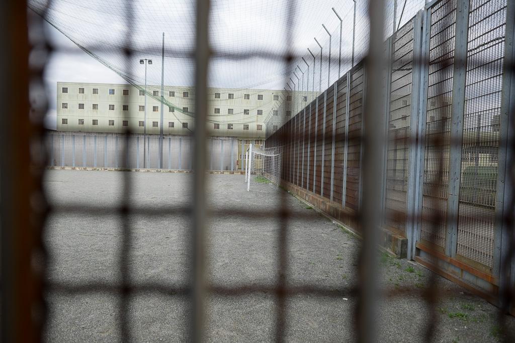 Il campo da calcio a disposizione dei detenuti durante il periodo d'aria (in alternativa alla fruizione del piccolo cortile che avevamo visitato all'inizio del nostro percorso)