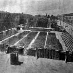 Ill Carro di Tespi, era un teatro ambulante che girava le piazze per portare cultura.