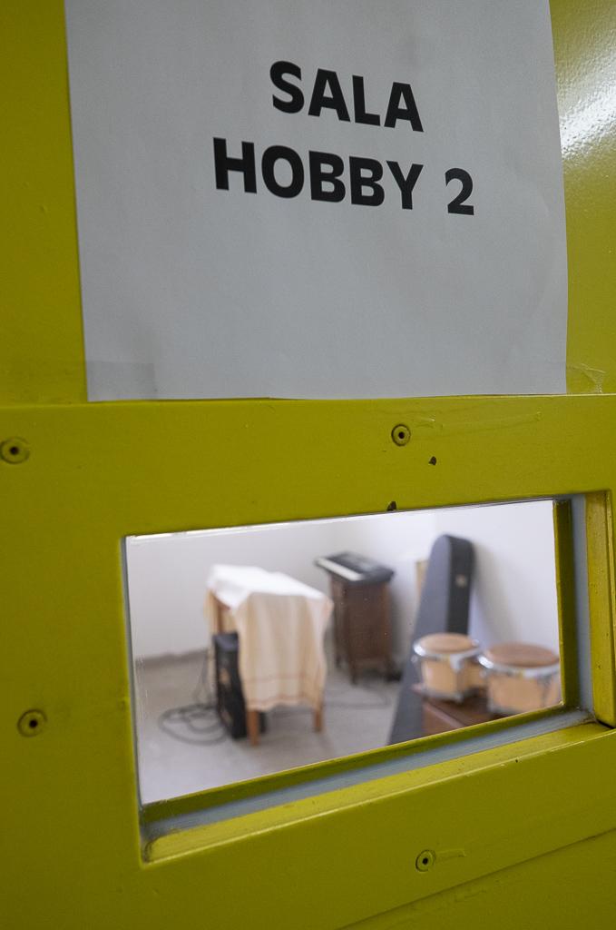 E' presente anche una piccola sala hobby con alcuni strumenti musicali