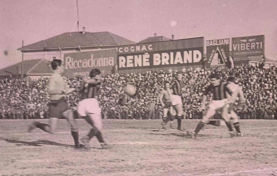 La storia dei 36 confronti diretti tra Alessandria e Milan annovera anche un mirabolante 6-1 per i Grigi nel campionato 1935-'36, quando era ancora in auge la celebre scuola calcistica mandrogna. Ma vediamo, scorrendo i dati statistici, di sviscerare i dati di tutte le gare disputate.