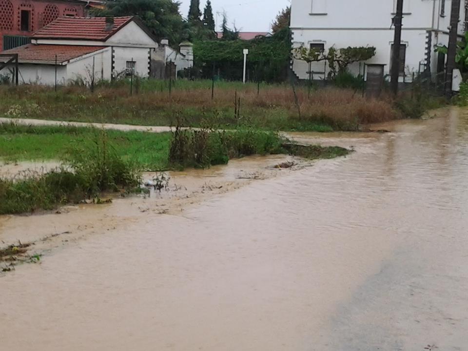 Litta Parodi il rio Lovassina esonda