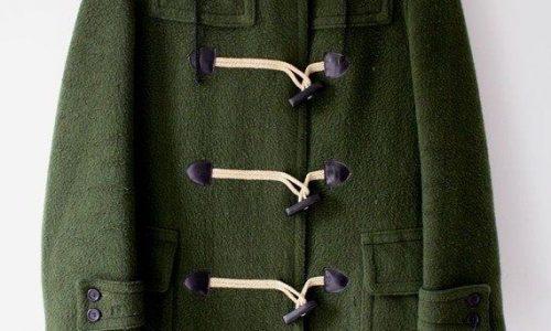 Noi che….. almeno una volta nella vita abbiamo indossato questo cappotto.