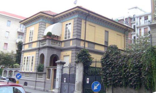 Residenza in stile liberty in via Foscolo ang. via Messina