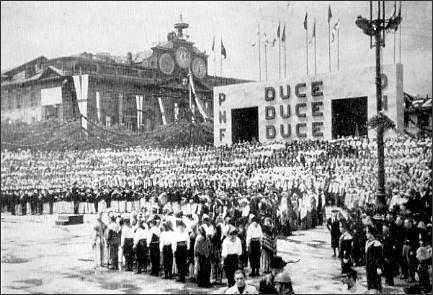10 giugno 1940. Il Duce in Alessandria