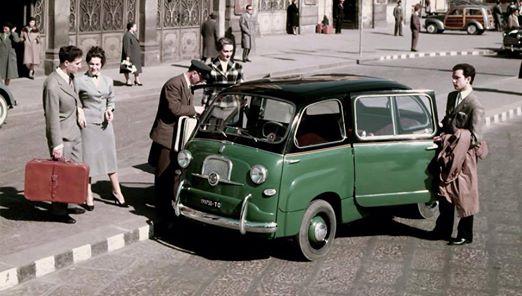 Chi se la ricorda la 600 Multipla? Questo era un taxi in servizio nella capitale piemontese dal classico colore verde e nero.
