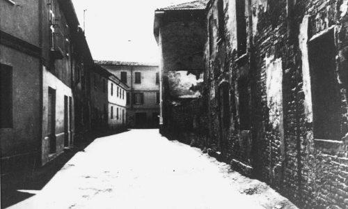 """La famigerata via Milazzo con la """"cà del sent brigni""""!"""