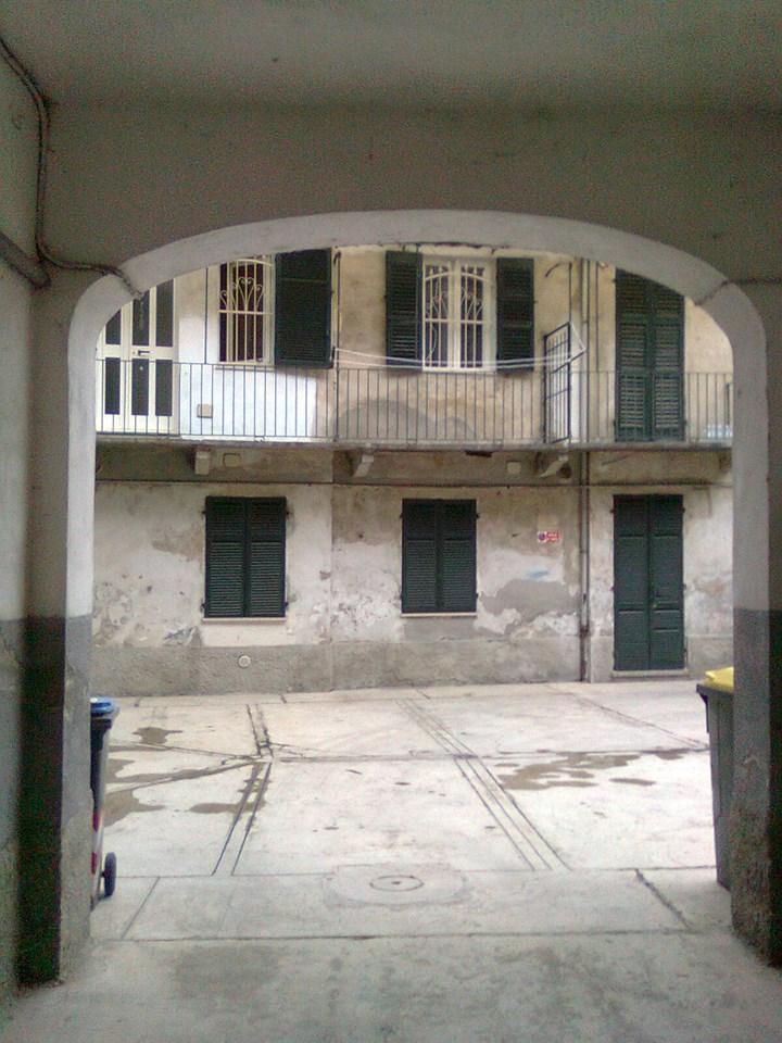 ingresso di casa di ringhiera del Rovereto