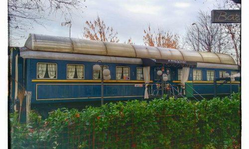 Vagone ferroviario attrezzato a Bar