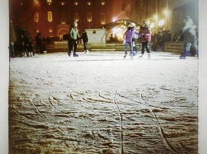 Pista di pattinaggio ad Alessandria (Piazza della Libertà – Dicembre 2014)