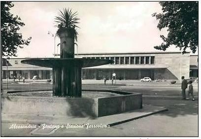 Stazione ferroviaria e fontana dell'Impero