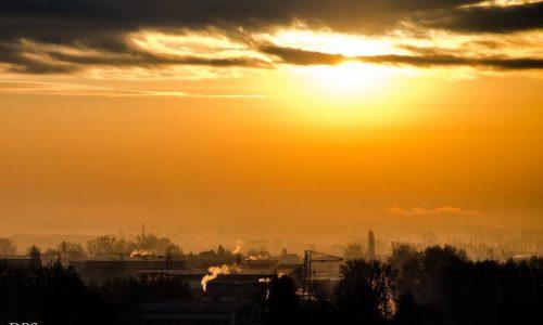 Alba dalle alture di Castelletto Monferrato… visuale verso Alessandria…