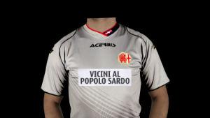 28 Gennaio 2014 - Le maglie ufficiali dell'Alessandria all'asta per Emergenza Sardegna 2013