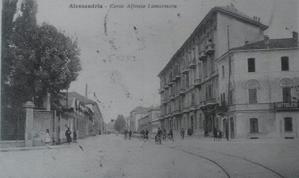 Alessandria. ..cso Lamarmora. ..una via della nostra città quasi irriconoscibile. .nel 1930. ..