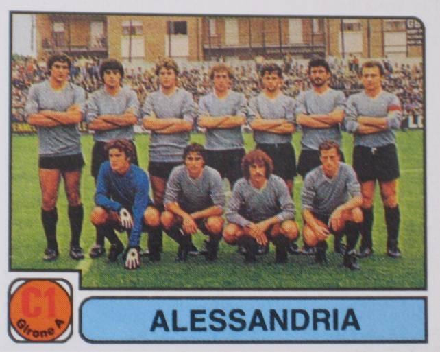 Ancora una figurina Panini. I Grigi nel campionato di C1 1981-'82, con ancora la coppia Pasquali (il primo, in piedi, da sinistra) e Colusso (il terzo da sinistra, sempre in piedi).