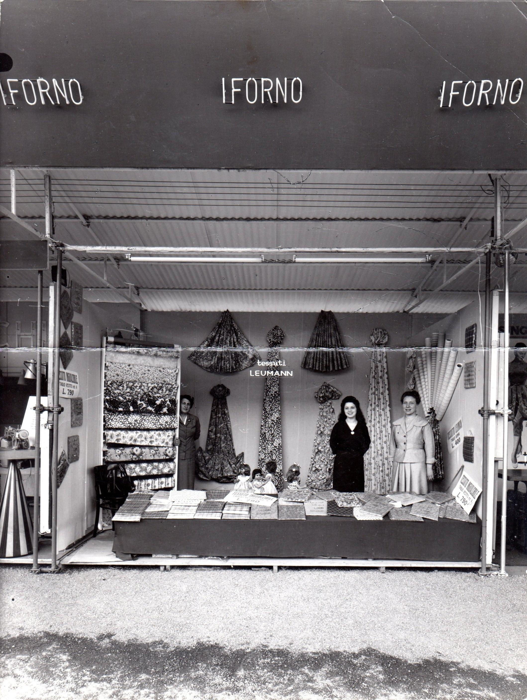 Piazza della Libertà - Mostra-mercato dei commercianti foto L. Forno
