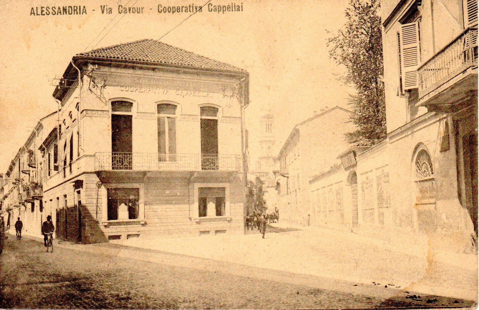 Via Cavour - Cooperativa Cappellai foto L. Forno - per gentile concessione