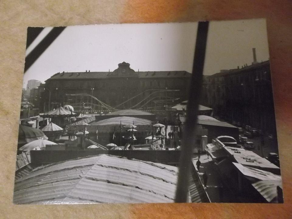 1967. I Baracconi a piazza Garibaldi. Dalla ruota panoramica Rossella Perfumo