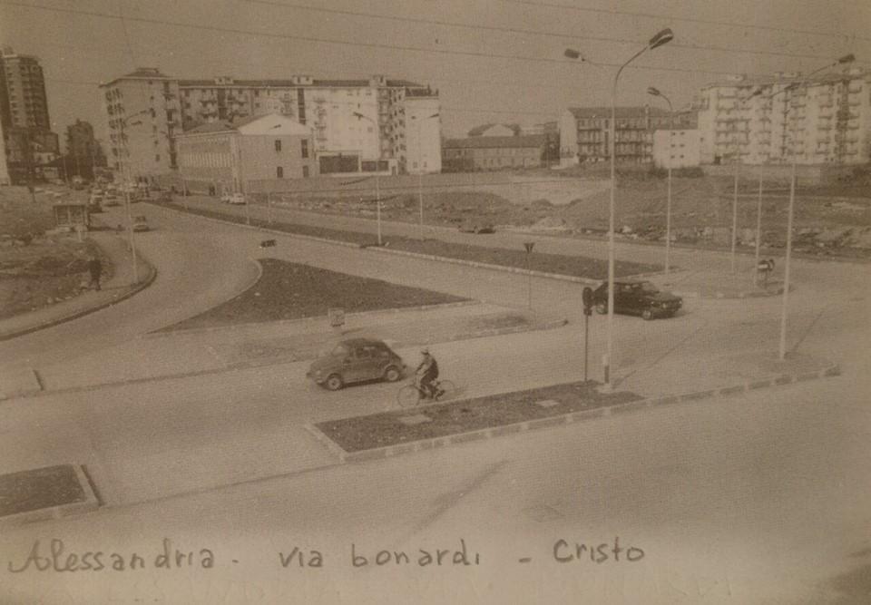 Via Bonardi Alessandria ..Cristo. .un Imagine molto rara di questa zona..