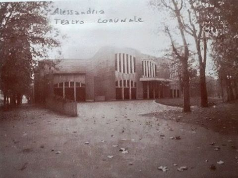 Alessandria. .il nuovo teatro comunale. .rarissima questa immagine. .