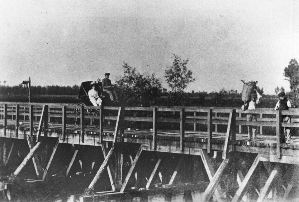 """Ponti di legno durati un secolo:Smontato da Alessandria e rimontato a Bassignana, il ponte """"napoleonico"""" fece il suo onesto servizio di traghettatore fisso, nonostante il Tanaro!!!!!"""
