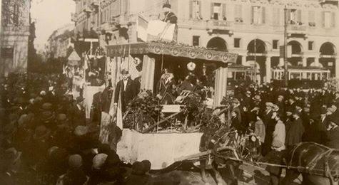 Alessandria …Piazza Garibaldi. .con carnevale alessandrino. .