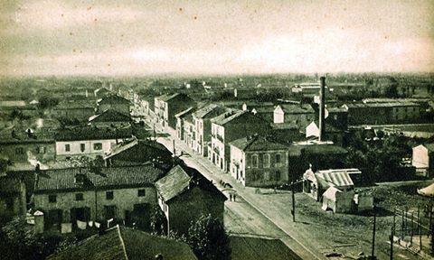 Una simil Piazza, credo non ancora Ceriana, ma già con i baracconi per la Festa del Cristo negli anni '20