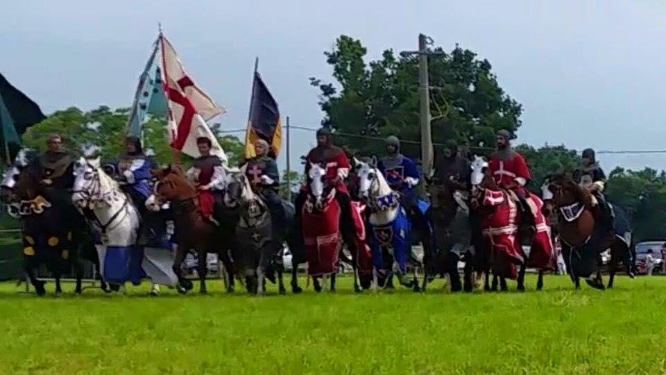 Lo spettacolo del gruppo storico equestre più grande d'Italia vi aspetta domenica #4ottobre2015 in #Cittadella ad #Alessandria! - con NELLA TERRA DEI CAVALLI #MultiepocaleAlessandria #cavalli #giostra #torneoequestre
