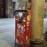 Bilancia pesa persone in Corso Roma