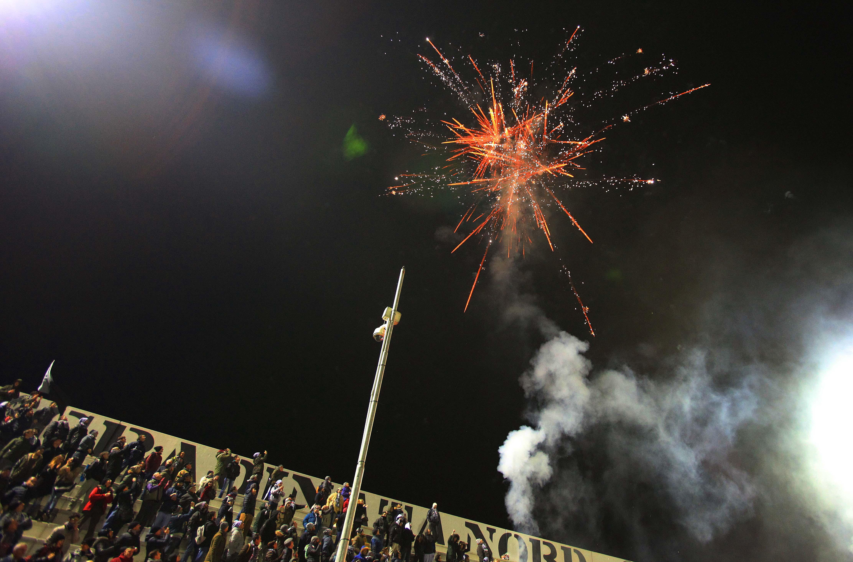 Alessandria, Spezia-Grigi - tifosi in festa (b. 63) Immagine Spezia-Grigi festa stadio040.JPG da dimafoal host ALE2 @autore FEDCAS