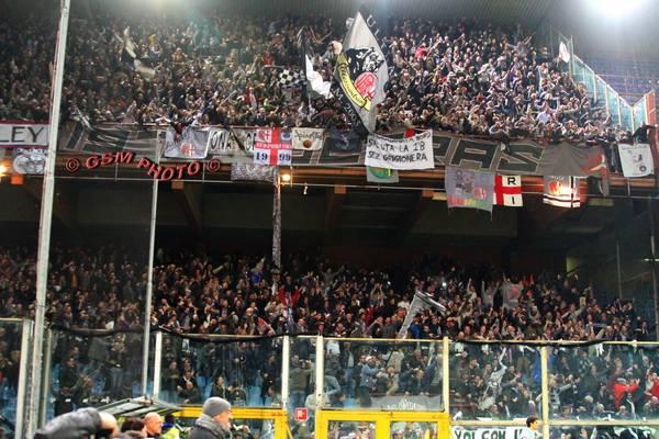 La Nord a Marassi contro il Genoa in Tim Cup (2015)